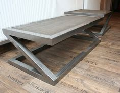 Tables basses on pinterest poufs design and php for Table effet beton cire