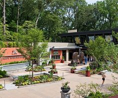 Botanical gardens, arboretums, and other public green spaces can be great places to learn about new plants and get landscaping ideas for your yard. National Public Gardens Day is a great opportunity to visit your favorite --