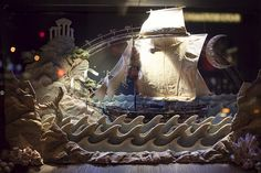 New York: Christmas Window Displays and Lights 2010-4 by Luis Diego París, via Flickr
