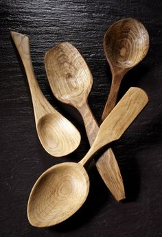 Hand carved wooden spoons in oak. : Martin Damen