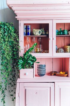 Ever since I found my hutch and painted it pink, I've been slightly obsessing over all these rustic cabinet type a deals. I feel like they are such good statement pieces, they're functional and have oodles of personality... The only trouble is, if you're not careful, ye old rustic hutch can...