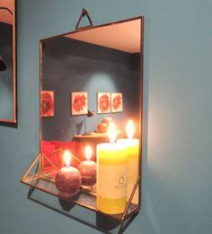 Miroir rectangulaire Athezza bordure métal avec étagère                                                                                                                                                                                 More