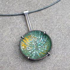 Collar de esmalte esmalte esmalte verde collar por lsueszabo