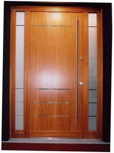 minimal bejárati ajtó, fix oldalvilágítókkal