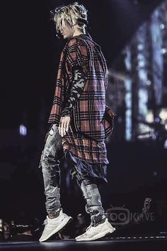 Justin Bieber wearing Fear of God S/S Flannel Shirt, Adidas Ultra Boost Sneakers, Fear of God Selvedge Romper Jeans Justin Bieber Outfits, Justin Bieber Style, Justin Bieber Images, Justin Bieber Wallpaper, Outfits Hombre, Celebs, Celebrities, Swagg, Celebrity Style