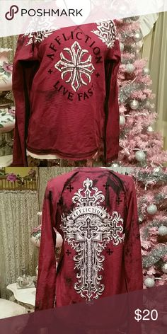 MEN'S AFFLICTION LIVE FAST LS TEE SZ M RED BLK Men's long sleeve tee by Affluction. Large cross design on back Live Fast affliction flocked letters on front. Black and red tye dye effect. Perfect condition. SZ M Affliction Shirts Tees - Long Sleeve