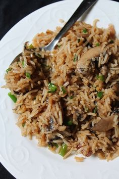 Fried Rice are my favourite, because it is so easy to whip up, plus it taste so yummy. If you have leftover cooked rice, then this is . Cooked Rice Recipes, Leftover Rice Recipes, Basmati Rice Recipes, Cooking Recipes, Cooking Dishes, Mushroom Dish, Vegetable Fried Rice, Mushroom Recipes, Rice
