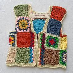 Günaydın iyi günlerde kullanılsın @sibelmacitozel - - - - - #yarn #hakeln #crocheting #crochetaddict #elişi #tığişi #yarnaddict #handmade #hobi #crochetlover #hekling #hooking #croche #virka #virking #haken #knitting #addicting #crochet #crochetwear #crocheter #croche #yelek #örgü #örgüyelek #hirka #grannysquare #otantik #bohem #hippie