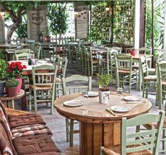 ΓΕΥΣΗ | Πού τρώμε φτηνά μεζεδάκια στα Νότια; Cafe Bar, Korean Food, Outdoor Furniture, Outdoor Decor, Athens, Islands, Greece, Table Settings, Restaurant