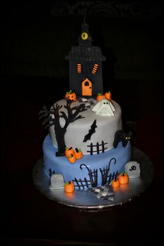 Missy Lamb Cakes - Haunted House Halloween Cake