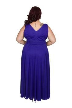 The perfect evening dress for curvy women everywhere who want something for a special for any occasion. Scarlett And Jo, Evening Dresses, Formal Dresses, Chiffon Maxi Dress, Maid Of Honor, Curvy, Mesh, Women, Fashion