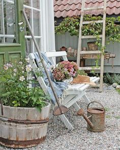 Tuuuuusen takk for alle varme og gode tilbakemeldinger på min reportasje i Cottage Country ❤❤❤I dag byr jeg på et bilde fra hagen denne septemberkveld❤ #september #garden #hagelivoguterom