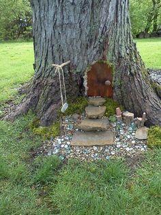 patti's fairy house - The most beautiful garden decor list Fairy Tree Houses, Fairy Garden Houses, Gnome Garden, Rabbit Garden, Tree Garden, House Rabbit, Diy Jardin, Mini Fairy Garden, Fairies In The Garden