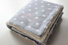 Babydecke Sterne grau/weiss & Teddyfell von maru*maru - Kinder(t)räume auf DaWanda.com