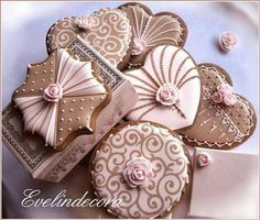 Pink and Brown Cookies Fall Cookies, Valentine Cookies, Iced Cookies, Cute Cookies, Birthday Cookies, Cupcake Cookies, Sugar Cookies, Pink Cookies, Cupcakes