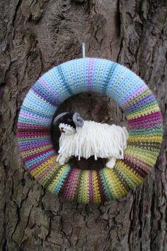 Trendy Ideas For Crochet Christmas Wreath Pattern Attic 24 Crochet Pillow Patterns Free, Baby Afghan Crochet, Crochet Cushions, Crochet Quilt, Crochet Yarn, Crochet Flowers, Irish Crochet, Crochet Ideas, Crochet Bunting
