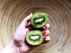 Um artigo sobre Vitamina C com a foto de um Kiwi em destaque?! Não foi erro nenhum… É que este é mesmo um dos frutos com maior concentração em Vitamina C. Mesmo em comparação com a laranja, a…