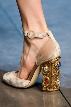 Dolce & Gabbana Fall 2013 Ready-to-Wear Accessories Photos - Vogue Dolce & Gabbana, Dream Shoes, Crazy Shoes, Cute Shoes, Me Too Shoes, Mode Style, Beautiful Shoes, Shoe Collection, Designer Shoes
