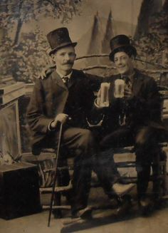 TINTYPE-TWO-HANDSOME-GENTS-WITH-MUGS-OF-BEER-CA-1890-039-S