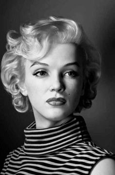 Marilyn Monroe Artwork, Marilyn Monroe Portrait, Marilyn Monroe Quotes, Old Hollywood Glamour, Classic Hollywood, Hollywood Stars, Dahlia, Imperfection Is Beauty, Actrices Hollywood