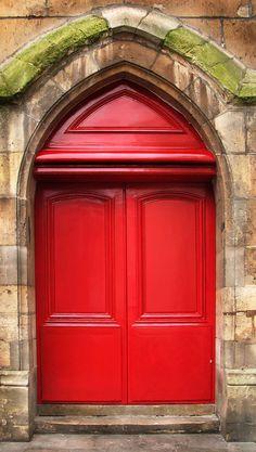 love a rood door.. especially a RED DOOR! #TweetGoneRedFor