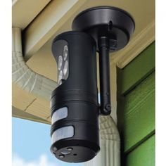 Motion Tracking Security Light is heat activated and swivels to follow motion.