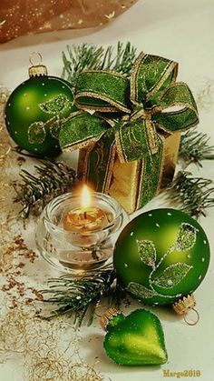 Christmas At Green gate Cottage Christmas Candles, Noel Christmas, Green Christmas, Christmas Colors, Christmas Wishes, Holiday Ornaments, All Things Christmas, Vintage Christmas, Christmas Bulbs