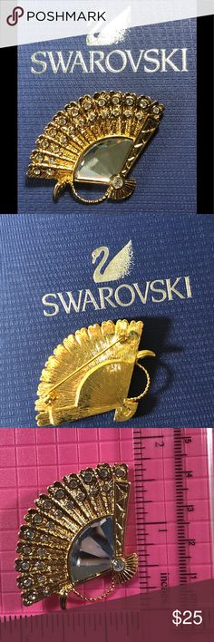 💃 💃 Swarovski Gold Tone Brooch retired   piece! - All Crystals are in place and no scratches on the crystals !   It is in great condition!  Since 1989 ,including this brooch all genuine Swarovski products feature the swan logo .  Since 1985  Swarovski makes extremely high and finest quality crystal /glass in the world. It is well-known for their lines of sparkly , spotless,reflective crystal jewelry. Swarovski Jewelry Brooches