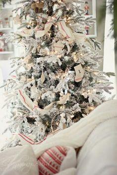 white Cranberry Christmas tree   Cranberry Bush ... White Christmas Tree #preppychic #methodhome