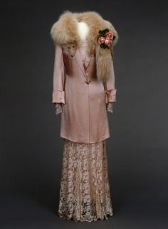 1935 Pink Ensemble by Nasjonalmuseet for Kunst, Arketektur