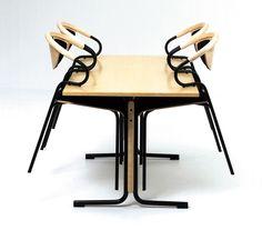 CONTOUR er en nett, liten, stabelbar stol som leveres i kombinasjonen tre/stål. Stolen har praktisk gripehåndtak i ryggbrikken og god åpning mellom sete/rygg. Modellen er spesielt designet for å kunne henges opp på bordplaten uten fordyrende opphengsbeslag. Dette gjør Contour til en meget bruker-, renhold- og vedlikeholdsvennlig modell som passer ypperlig i kaféer, spisesaler, kantiner etc.