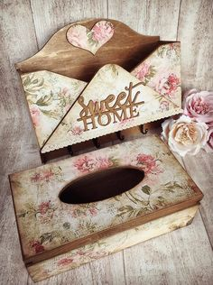 Decoupage Wood, Decoupage Furniture, Decor Crafts, Wood Crafts, Diy And Crafts, Decoration Shabby, Craft Projects, Projects To Try, Shabby Chic Farmhouse