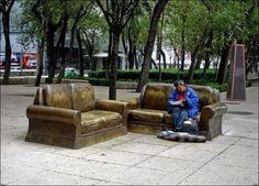 ただのベンチなのに目にも楽しい。素敵なデザインのベンチたち 写真26枚