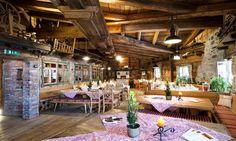Die KrallerAlm Salzburg - Top Eventlocation: Bauernhof - Landhaus - Alm - Partyscheune #eventlocation #event #location #bauernhof #landhaus #alm #partyscheune #rustikal #backtotheroots #ländlich #gemütlich #natur #eventinc