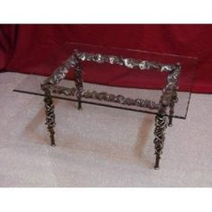 Table wrought iron. cm 60 x 80 x h 45 . 639
