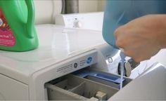 Vymeňte drahé aviváže za tento lacný domáci recept: Zmenu uvidíte už po prvom praní! | Báječné Ženy Linux, Housekeeping, Washing Machine, Home Appliances, Cabinet, Storage, Furniture, Home Decor, Board