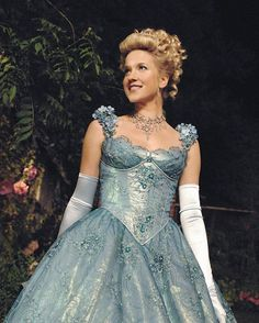 "Cinderella will be returning to OUAT this season!  ""Jessy Schram will return in the upcoming Season 6's third episode, in which it is revealed that the maid-turned-princess has a connection to the Land of Untold Stories, which in the Season 5 finale relocated its many denizens to Storybrooke. The same episode will also explore the origin of the friendship between Cinderella and Snow White, which was first established in Season 1, Episode 4 flashbacks."" - TV Line Season 6: 67 days"