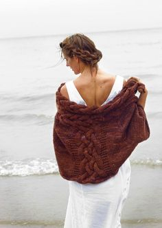 Selkie capelet knitting pattern by Melissa Schaschwary: download at LoveKnitting