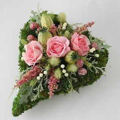 Heart pink grave arrangement, grave decoration, All Saints Day, Sunday of the Dead, Remembrance Day - Allerheiligen - Christmas Floral Arrangements, Flower Arrangements, Diy Flowers, Flower Pots, Grave Decorations, Artificial Peonies, All Saints Day, Red Candles, Remembrance Day