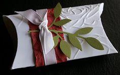 Very nice Christmas pillow box