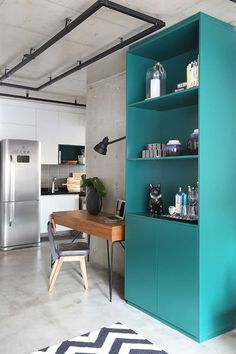 10 Simple Steps to a More Functional and Stylish Home Office Design Industrial, Industrial House, Industrial Furniture, Apartment Projects, Apartment Goals, Home Office Organization, Home Office Decor, Home Decor, Small Apartments
