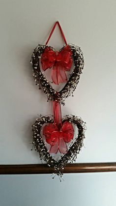 Check out this item in my Etsy shop https://www.etsy.com/listing/263579059/double-heart-wreath-valentines-day