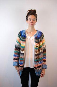 love stripes in purl stitch - una: maiami. Knitwear Fashion, Crochet Fashion, Hand Knitting, Knitting Patterns, Crochet Patterns, Color Coordination, Purl Stitch, Paul Joe, Knit Cardigan