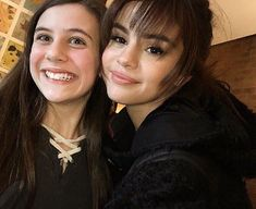 Selena Gomez with a Fan in New York [February 13] @selenagomez con una Fan en Nueva York [Febrero 13] #SelenaGomez #Selena #Selenator #Selenators #Fans #BadLiar #BestMusicVideo #iHeartAwards
