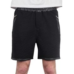 Gov Denim - Matelassé Short Black http://www.urbanlocker.com/produits/21693-matelasse-short-black/