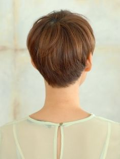 Cute short haircut from the back
