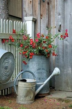 Garden Decor - So Popular Vintage Flower Garden, with watering canVintage Flower Garden, with watering can Pot Jardin, Metal Containers, Deco Floral, Dream Garden, Yard Art, Country Decor, Country Living, Country Life, Country Charm