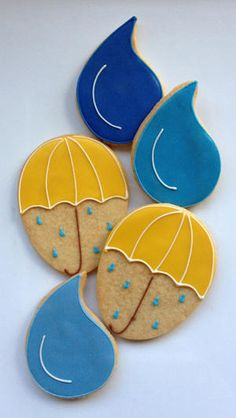 Umbrellas & Raindrop Cookies - Casue via Cookie Connection No Egg Cookies, Galletas Cookies, Fancy Cookies, Iced Cookies, Cute Cookies, Easter Cookies, Owl Cookies, Cookie Frosting, Royal Icing Cookies