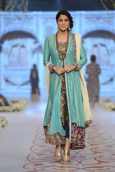 Fashion: Nida Azwer Bridal Collection at Pantene Bridal Couture Week 2014