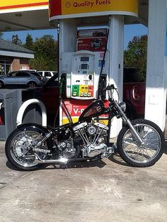 Bobber Bikes, Bobber Motorcycle, Cool Motorcycles, Women Motorcycle, Harley Bobber, Harley Davidson Chopper, Harley Bikes, Custom Choppers, Custom Harleys